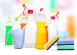 Reinigungsmittel 300x214 - 10 Tipps, mit denen die Reinigung der Küchenmaschine zum Kinderspiel wird